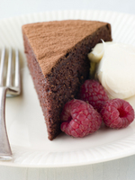 chocolate spongecake,raspberries