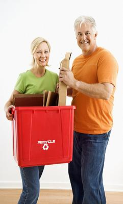 couple recycling